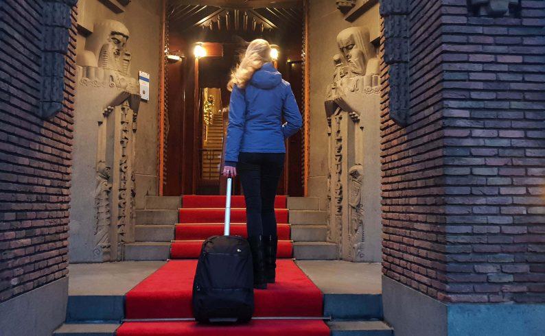 Handige handbagage, een rugzak en trolley ineen op wieltjes