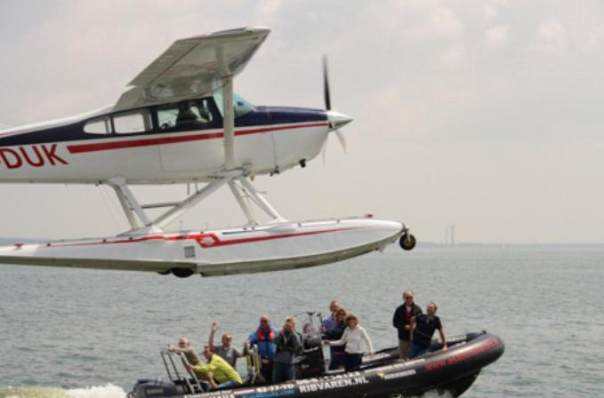 Vliegen watervliegtuig Muiden