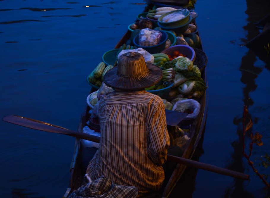 Amphawa, floating market - Thailand