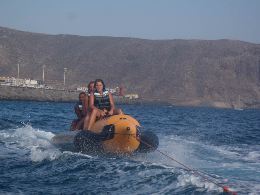 Fotoreport: Fun op een banaan en jetskien op Tenerife - Spanje