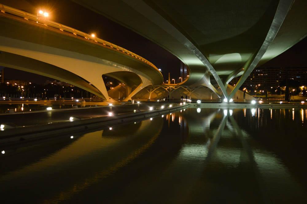 Stad van Kunst en Wetenschap by night - Valencia - Spanje