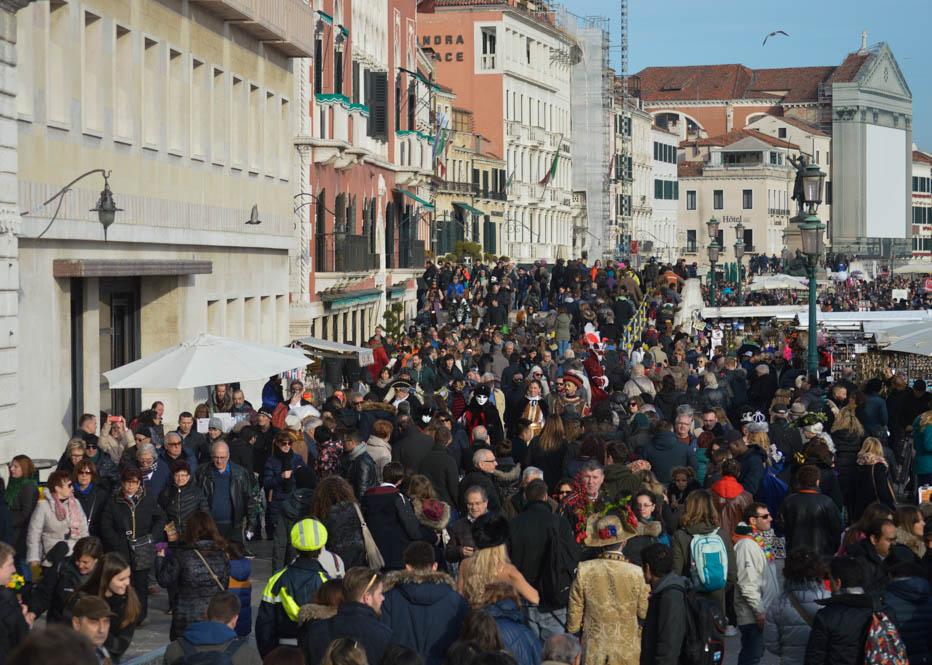 Zorg dat je minimaal 2 dagen voor het carnaval in Venetië bent