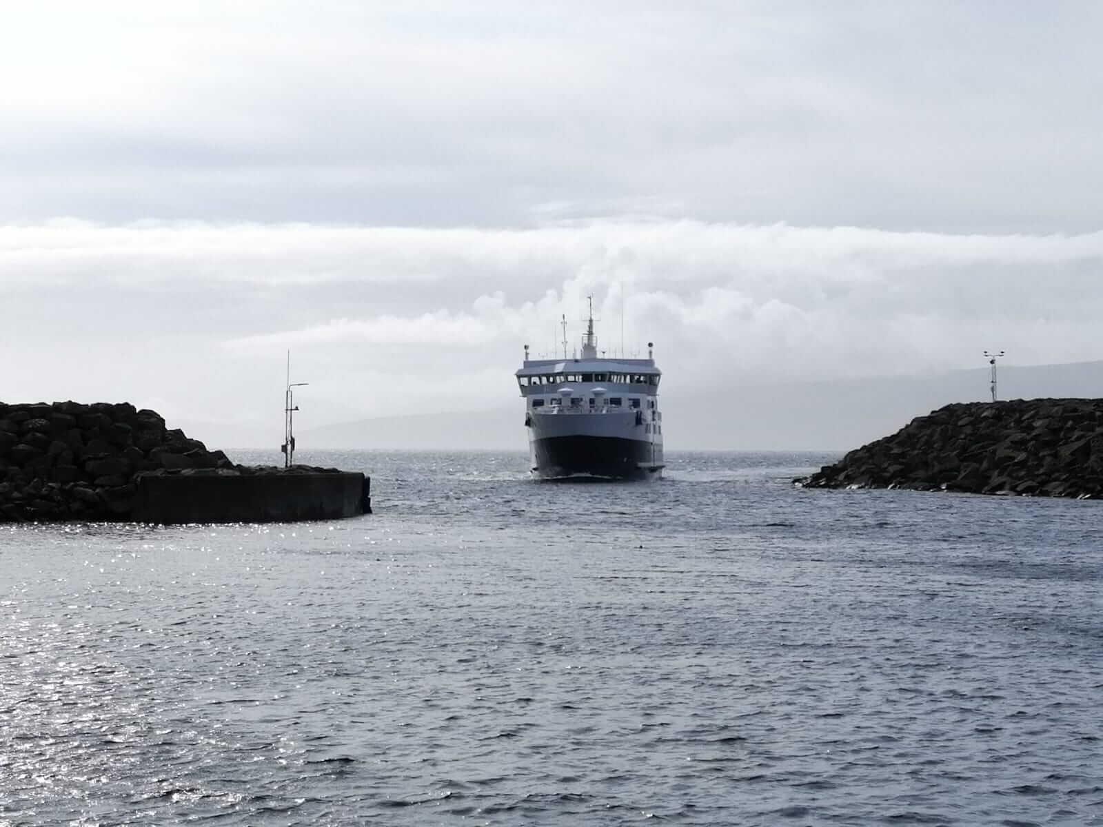 Reizen per boot langs de eilanden