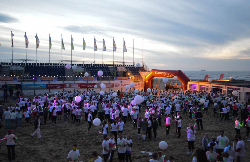 Fotoreport: Glow-Run Scheveningen Beachstadium