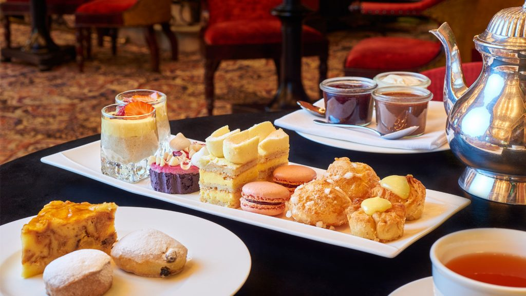 High tea bij Hotel Des Indes