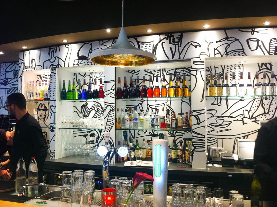 ibis Rotterdam bar