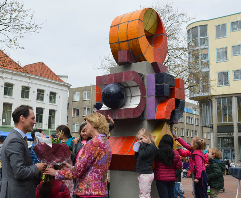 Fotoreport: Onthulling kunstwerk Jan Goeting Elandplein Den Haag
