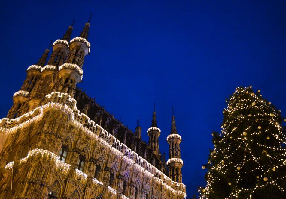 Leuven, stadhuis - wintertijd
