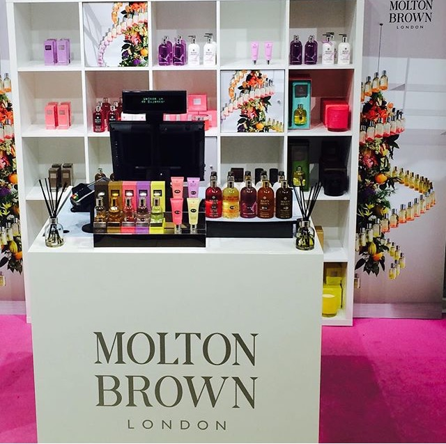 Molton Brown Travel Light packet