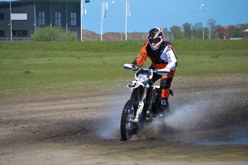 Op de motorcrossbaan in Emmeloord