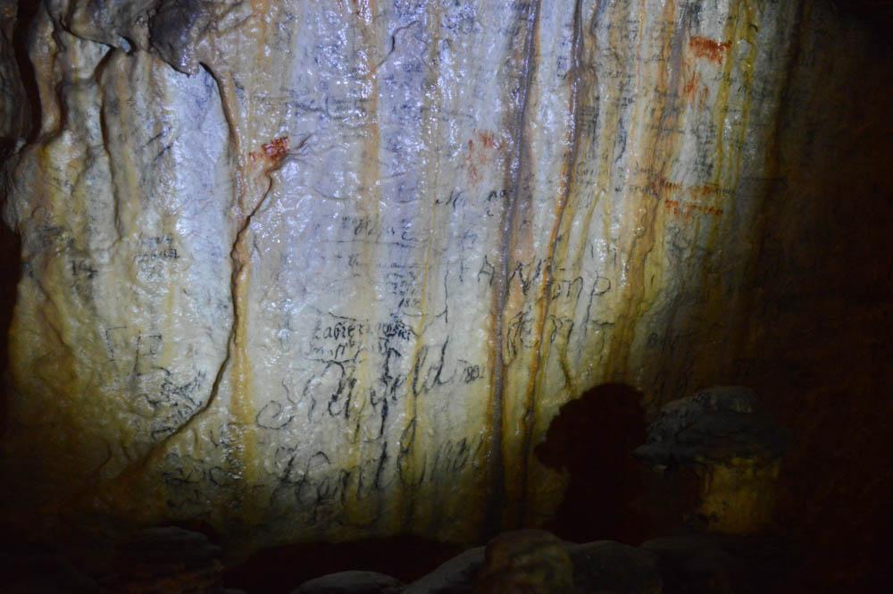 Teksten in kalksteen