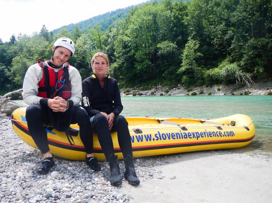 Chillen aan de rand van de rivier