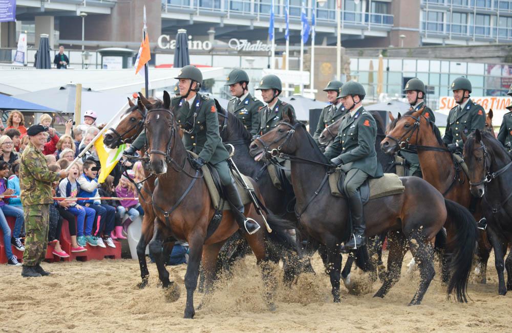 Strandoefening voor de paarden
