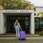 Op reis met lichtgewicht SuitSuit koffer
