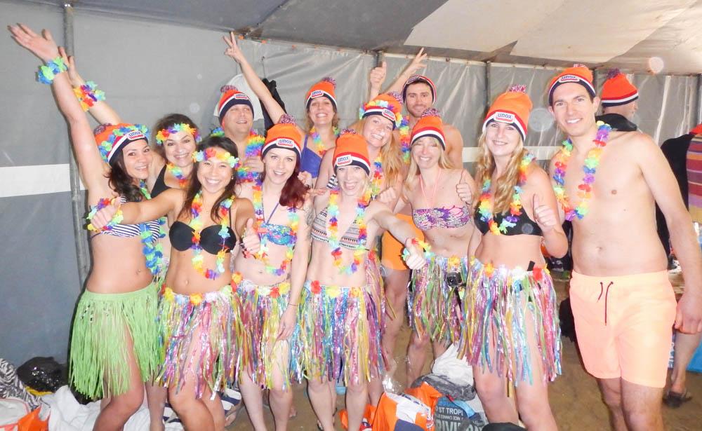 Unox Hawai Nieuwjaarsduik helden