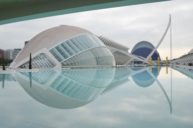 Ontdek Ciudad de las Artes y Ciencias in Valencia