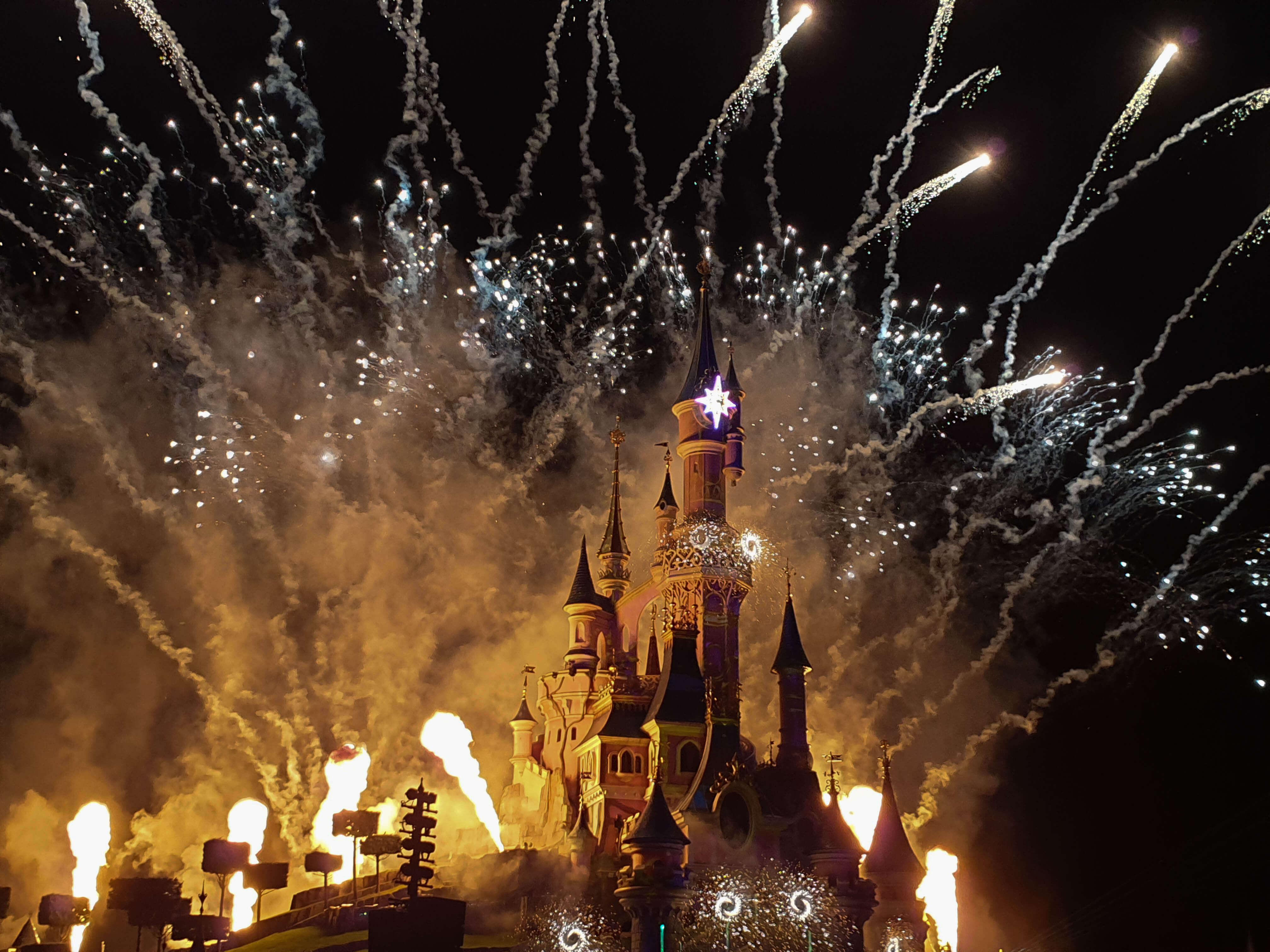 Vuurwerkfestival in Disneyland Parijs