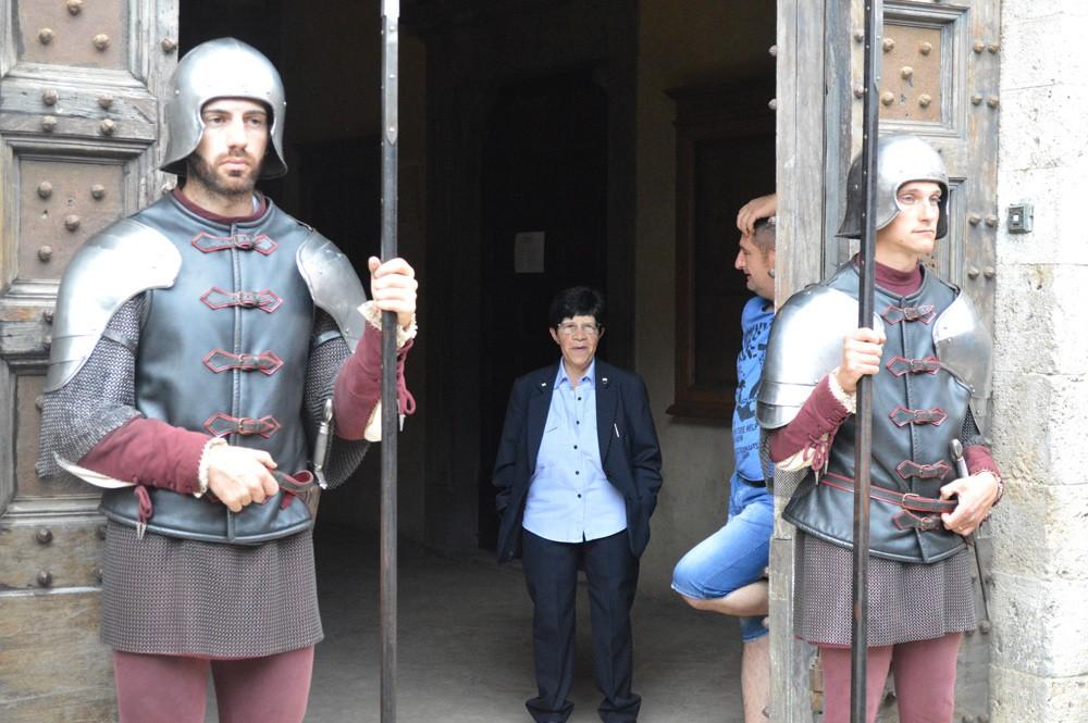 Wachten op de jockeys bij Palazzo Pubblico