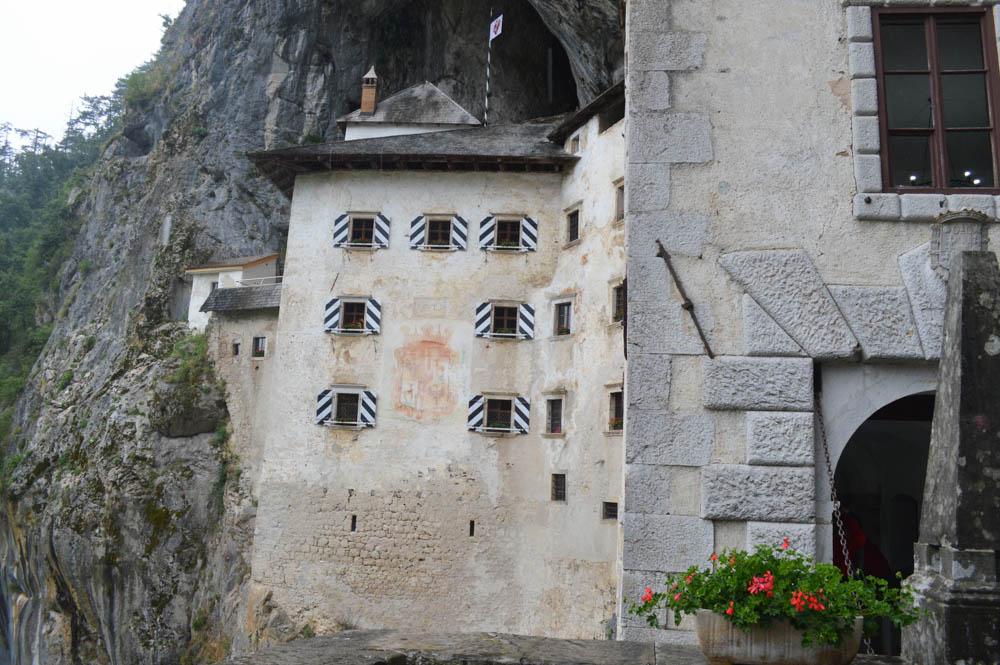 Slovenië - Predjama Castle