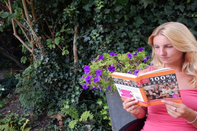 De 100% Toscane reisgids lezen