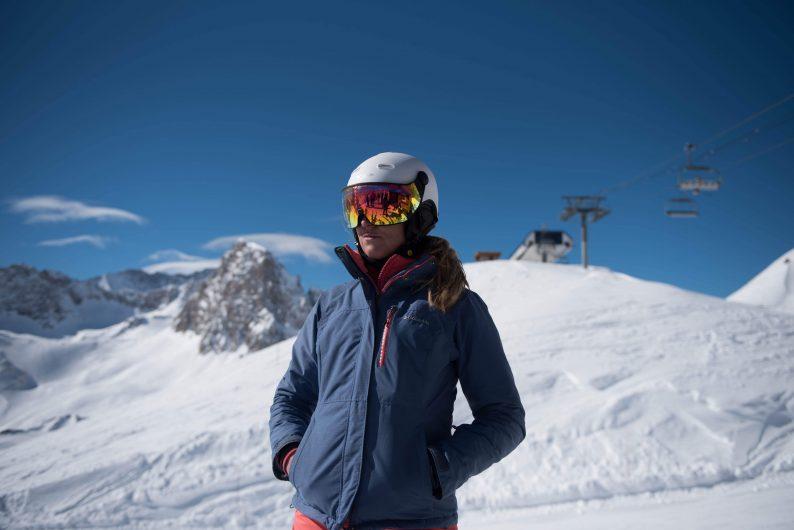 Witte skihelm met vizier voor dames