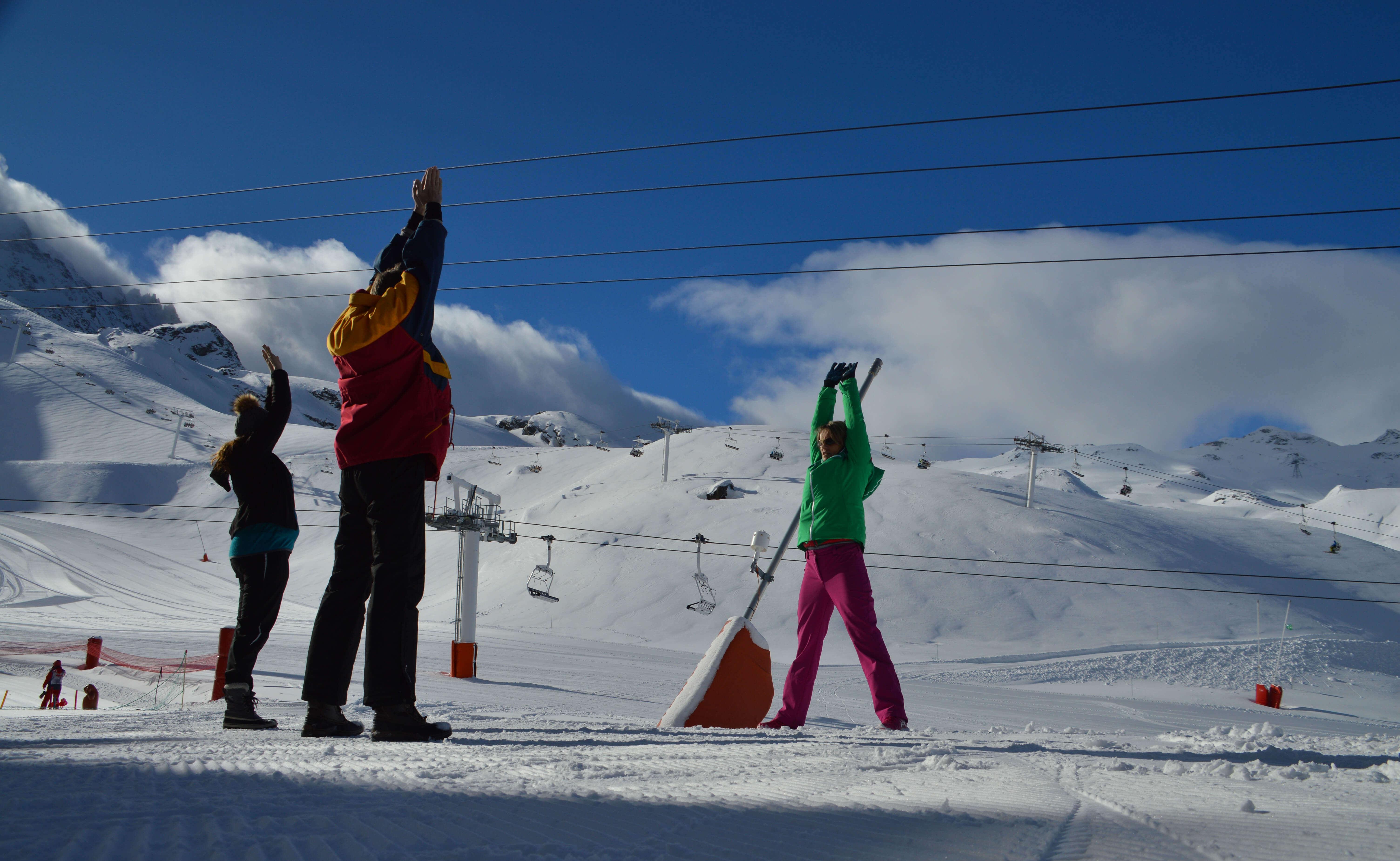 Yoga in de sneeuw, ervaar het in Val Thorens