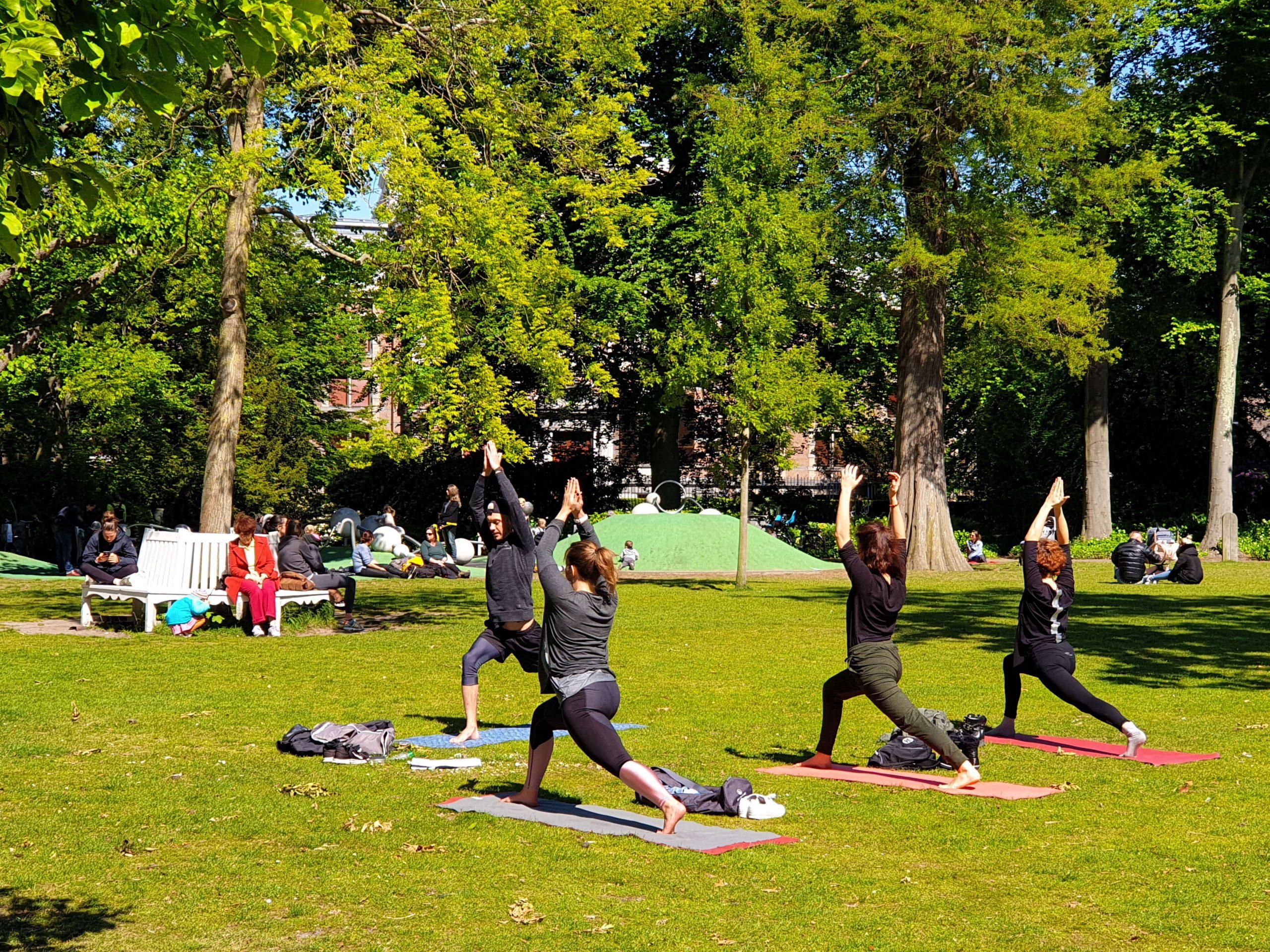 Yoga in PaleistuinDen Haag